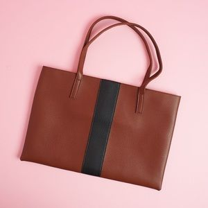 🆕 Vince Camuto Luck Tote Desert Red Faux Leather